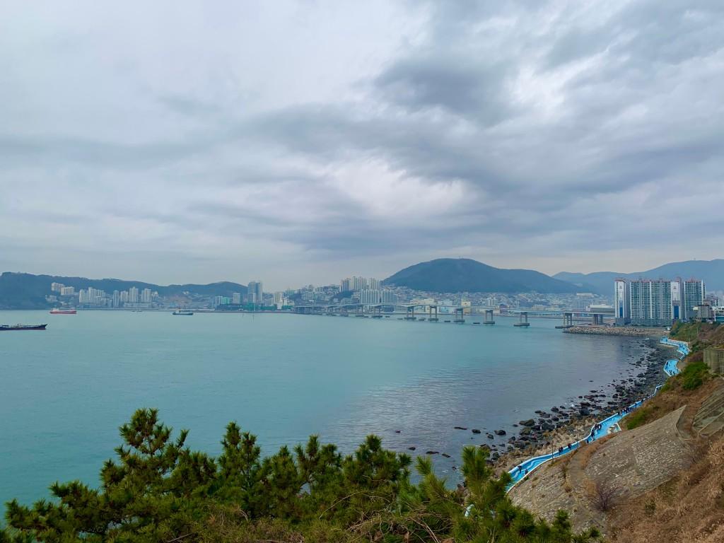 jeoryeong coastal walk busan
