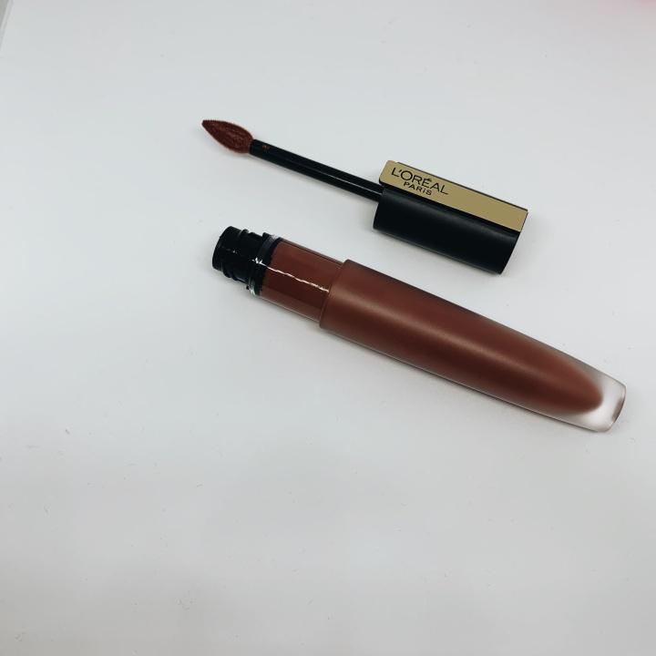 Review: L'Oréal Paris Rouge SignatureLipstick